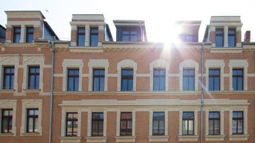 solar sanierte MFH in Chemnitz III - Vorderansicht