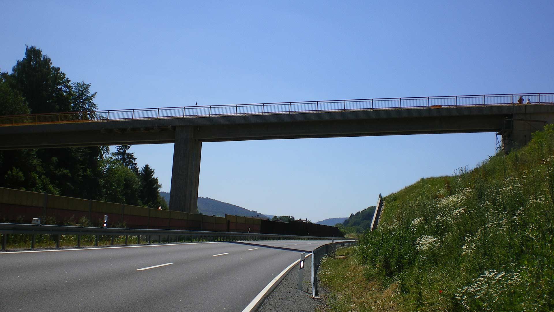 Autobahnbrücke in Hessen