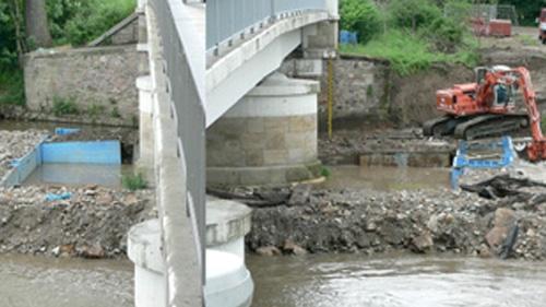 Sanierung + Unterfangung von Brückenpfeilern