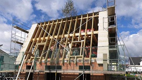 Errichtung Dachstuhl Aktivsonnenhaus