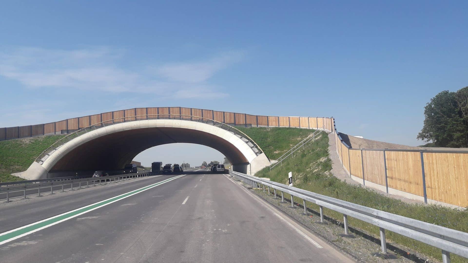 Lärmschutzwand auf Brücke, Holz, Schleswig-Holstein